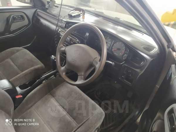 Nissan Bluebird, 2000 год, 133 333 руб.
