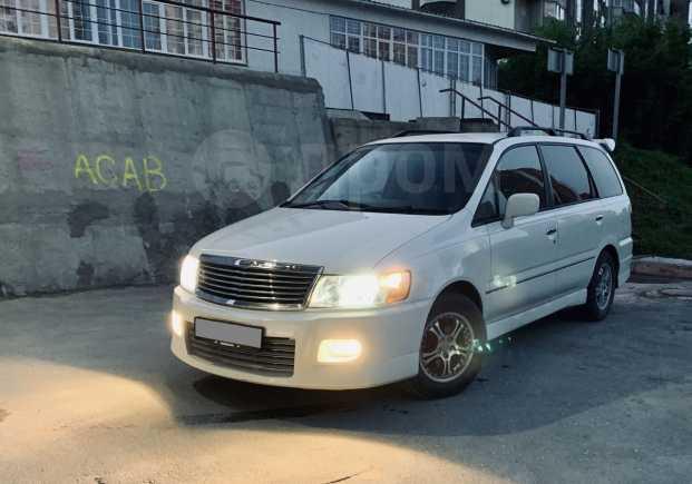 Nissan Bassara, 2000 год, 395 000 руб.