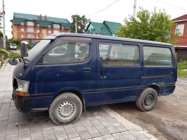 Toyota Regius Ace, 2003 год, 250 000 руб.