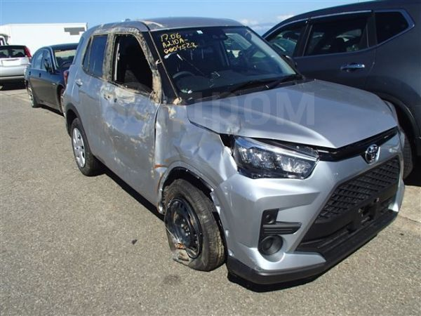 Toyota Raize, 2019 год, 999 999 руб.