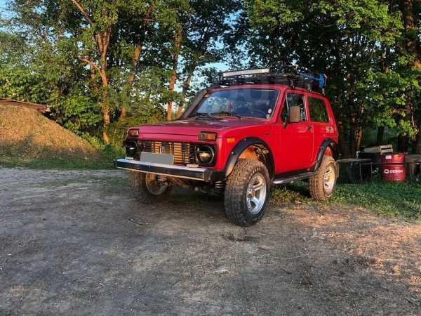 Лада 4x4 2121 Нива, 1997 год, 450 000 руб.