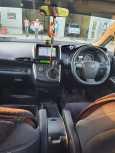 Toyota Wish, 2011 год, 650 000 руб.