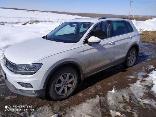 Volkswagen Tiguan, 2018 год, 1 200 000 руб.
