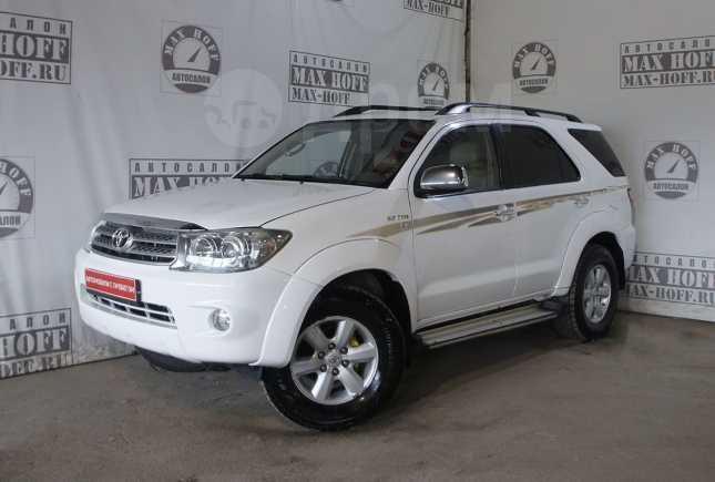 Toyota Fortuner, 2009 год, 745 000 руб.