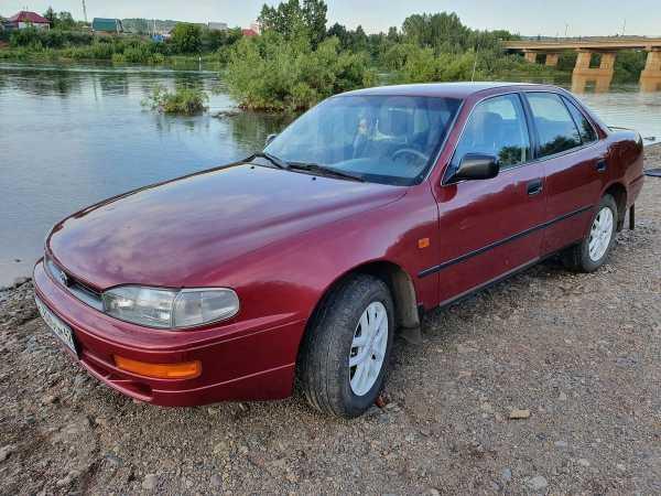 Toyota Camry, 1997 год, 290 000 руб.