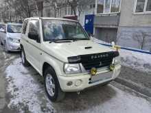 Радужный Pajero Mini 2003
