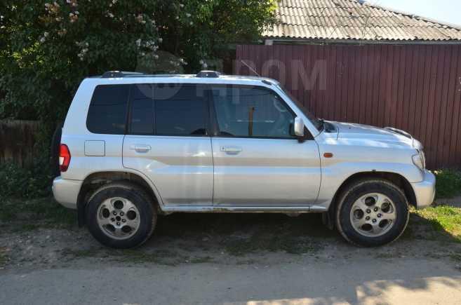 Mitsubishi Pajero iO, 2001 год, 250 000 руб.