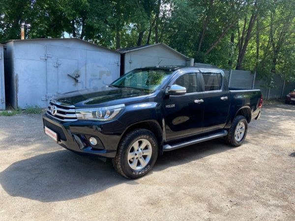 Toyota Hilux Pick Up, 2015 год, 1 800 000 руб.