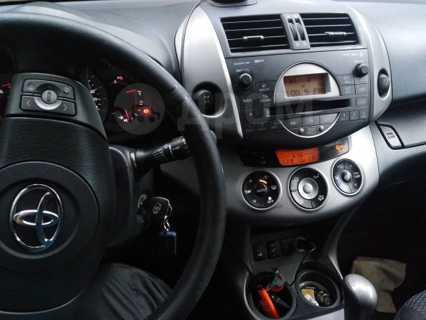 Toyota RAV4, 2008 год, 600 000 руб.