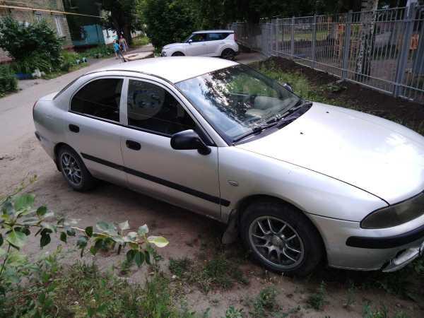 Mitsubishi Carisma, 2001 год, 130 000 руб.