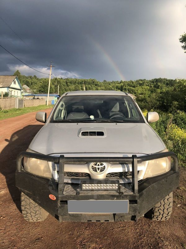 Toyota Hilux Pick Up, 2007 год, 699 000 руб.