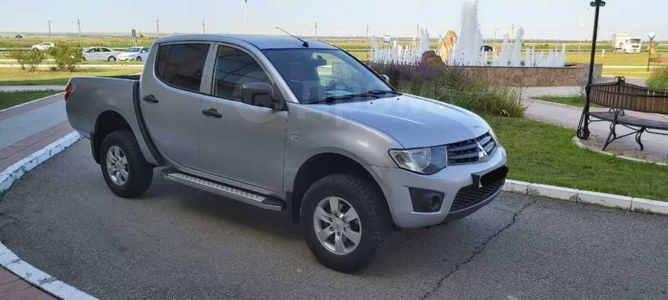 Mitsubishi L200, 2011 год, 600 000 руб.