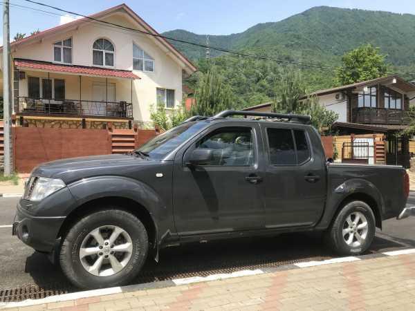 Nissan Navara, 2005 год, 580 000 руб.