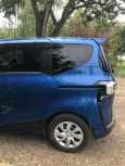 Toyota Sienta, 2015 год, 915 000 руб.