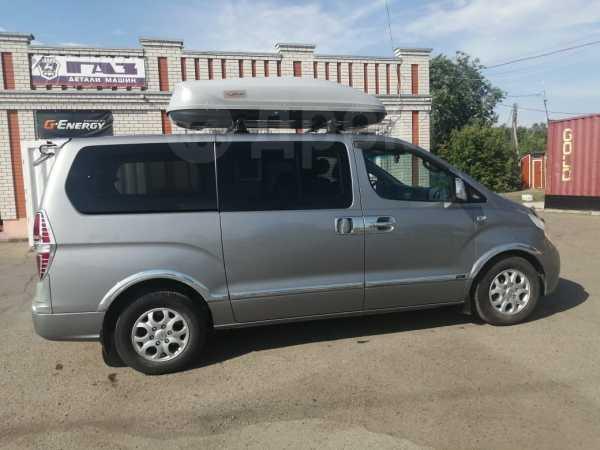 Hyundai Grand Starex, 2010 год, 935 000 руб.