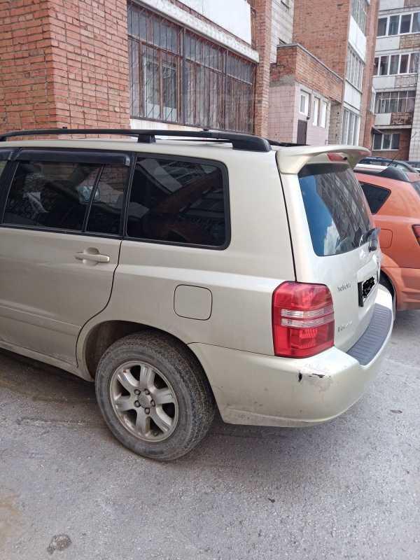 Toyota Highlander, 2001 год, 190 000 руб.