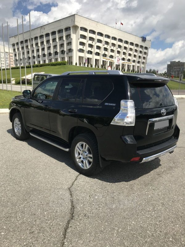 Toyota Land Cruiser Prado, 2011 год, 2 050 000 руб.