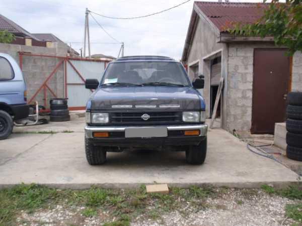 Nissan Pathfinder, 1993 год, 215 000 руб.