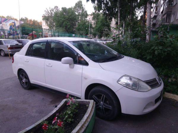 Nissan Tiida Latio, 2010 год, 370 000 руб.
