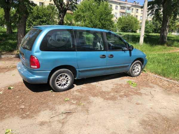 Chrysler Voyager, 1998 год, 155 000 руб.