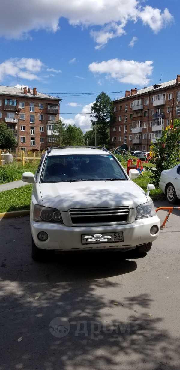Toyota Kluger V, 2002 год, 595 000 руб.