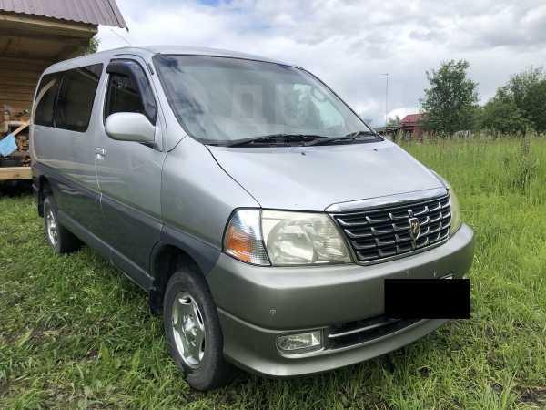 Toyota Grand Hiace, 2002 год, 650 000 руб.