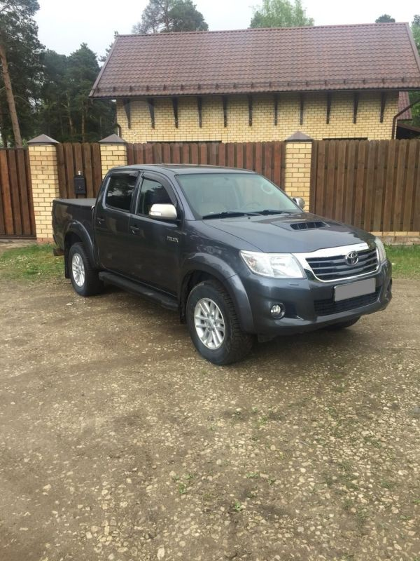 Toyota Hilux Pick Up, 2013 год, 1 250 000 руб.