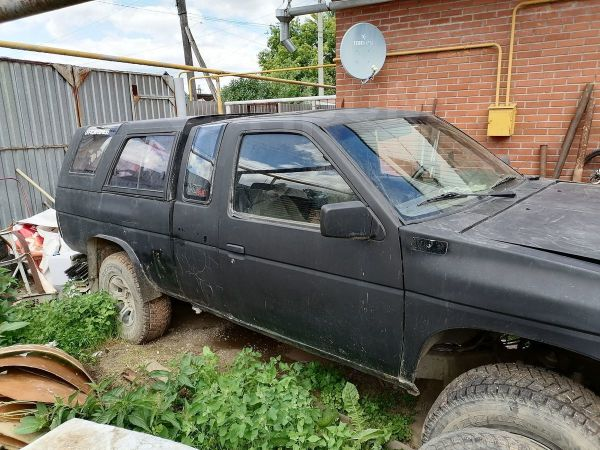 Nissan King Cab, 1990 год, 140 000 руб.