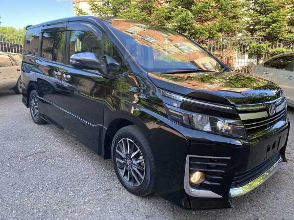 Toyota Voxy, 2016 год, 1 200 000 руб.