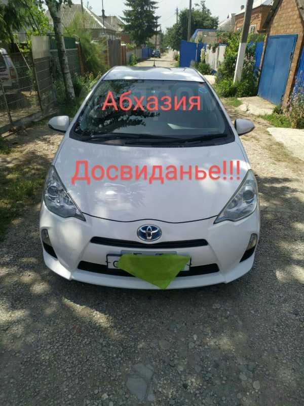 Toyota Aqua, 2013 год, 385 000 руб.