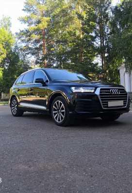 Октябрьский Audi Q7 2016