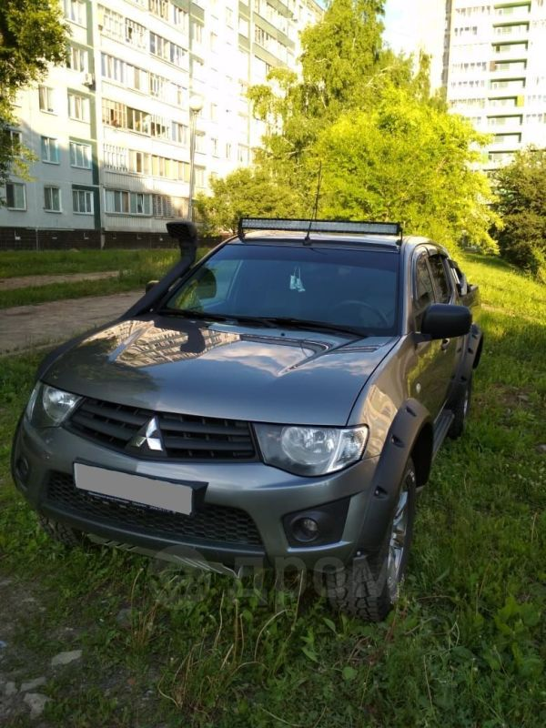 Mitsubishi L200, 2014 год, 980 000 руб.