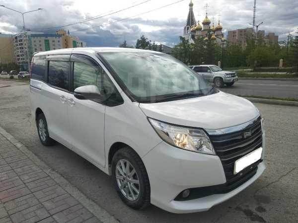 Toyota Noah, 2015 год, 1 150 000 руб.