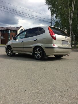 Томск Nissan Tino 2001