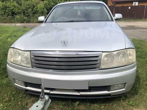 Nissan Gloria, 2001 год, 300 000 руб.