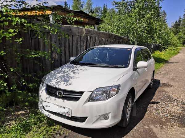 Toyota Corolla Fielder, 2011 год, 585 000 руб.