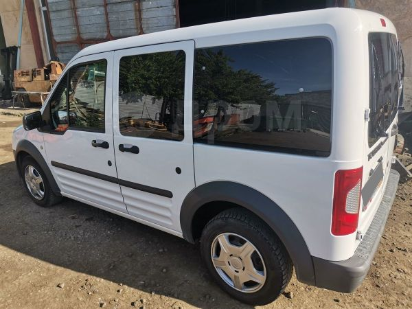Ford Tourneo Connect, 2010 год, 350 000 руб.
