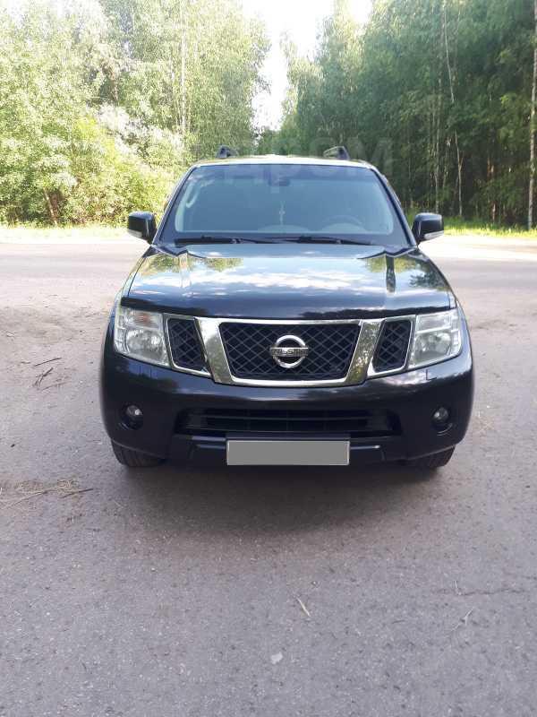 Nissan Pathfinder, 2010 год, 1 100 000 руб.