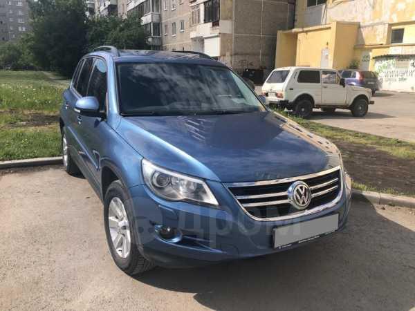 Volkswagen Tiguan, 2011 год, 780 000 руб.