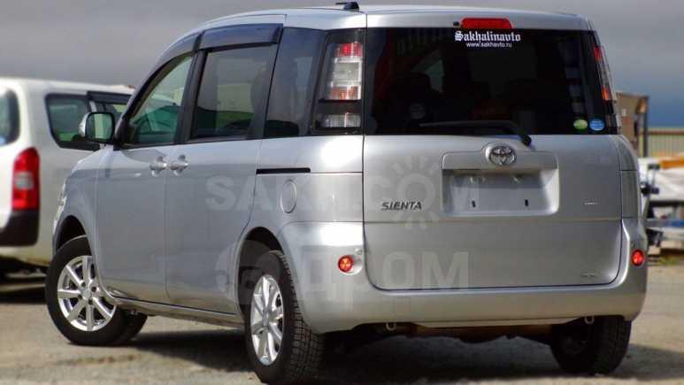 Toyota Sienta, 2013 год, 600 000 руб.