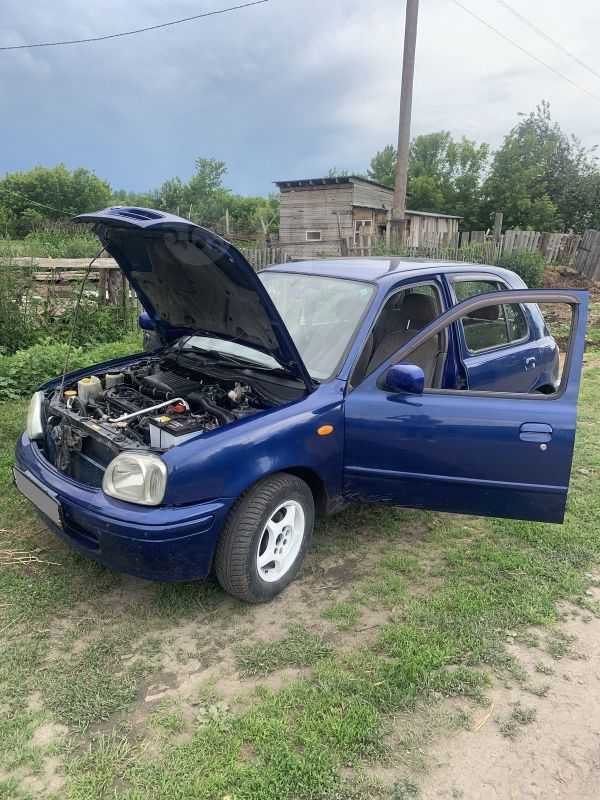 Nissan March, 2001 год, 150 000 руб.
