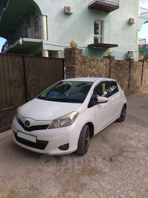 Toyota Vitz, 2011 год, 365 000 руб.
