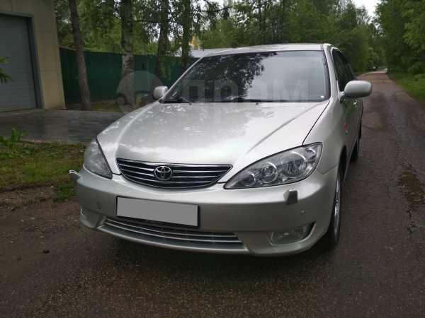 Toyota Camry, 2005 год, 545 000 руб.