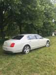 Bentley Flying Spur, 2006 год, 1 320 000 руб.