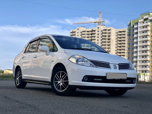 Nissan Tiida Latio, 2006 год, 285 000 руб.
