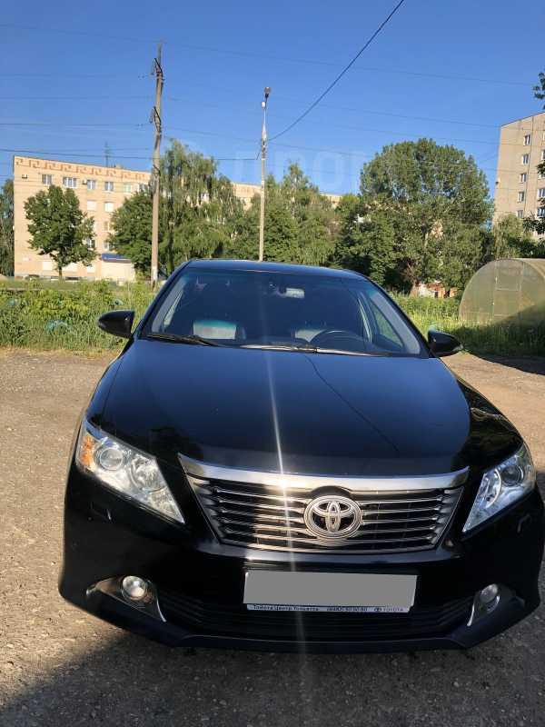 Toyota Camry, 2014 год, 940 000 руб.