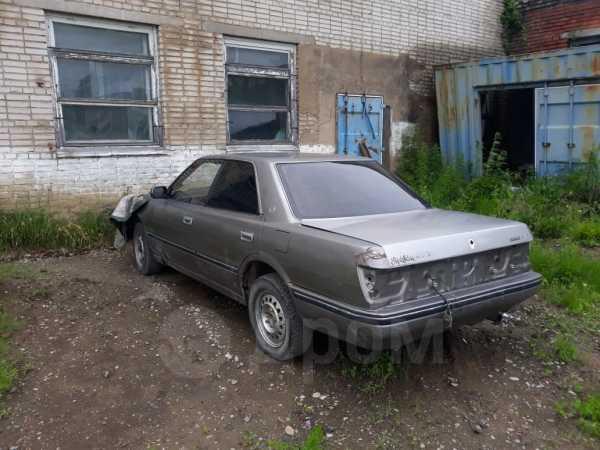 Toyota Crown, 1990 год, 101 000 руб.