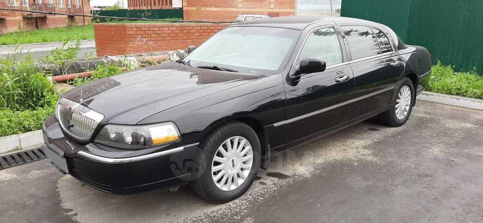 Lincoln Town Car, 2005 год, 900 000 руб.