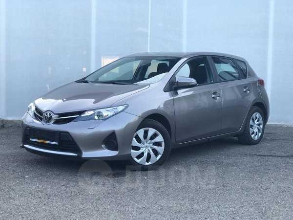 Toyota Auris, 2013 год, 725 000 руб.