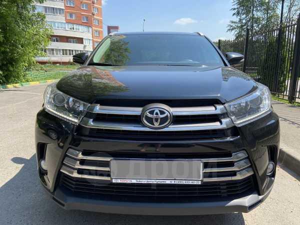 Toyota Highlander, 2018 год, 2 990 000 руб.